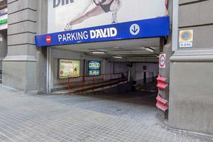 Entrada al parking por la calle Aribau, Barcelona