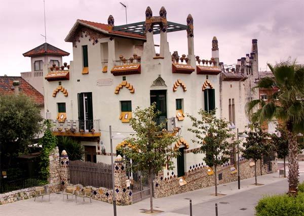 Casa Auriga (en la foto Vil·la Elena) en Sant Joan Despí - foto: Wikipedia