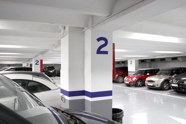 Plazas de parking recién reformadas
