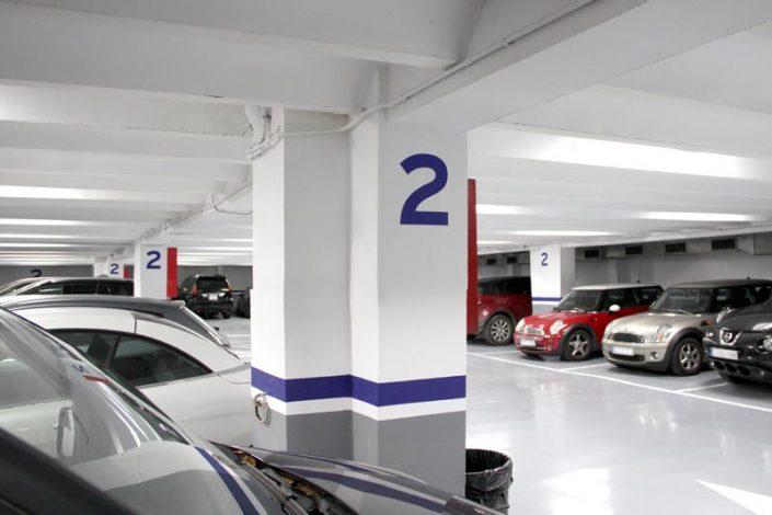 Plazas de parking recién reformadas