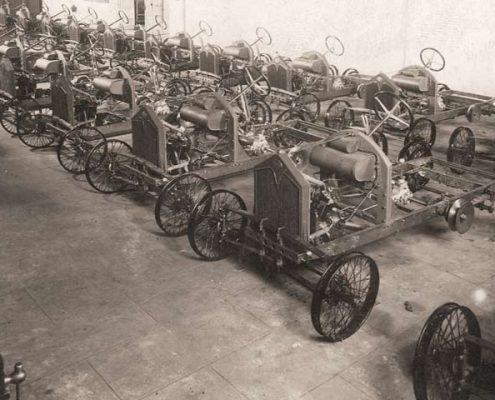Autos David en la fábrica